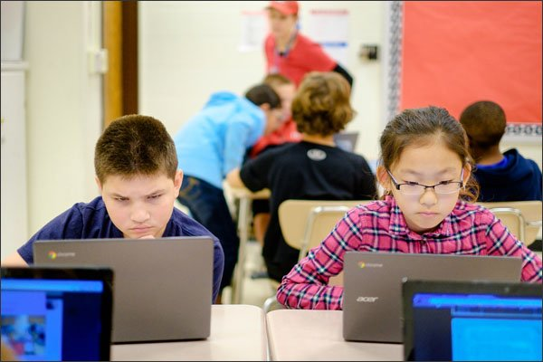 Six Reasons Why a Chromebook Is the Perfect Teaching Aid • TechNotes